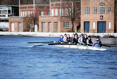 Oxford Rowing 8 (Chris Mullineux) Tags: uk england college thames river nikon 8 oxford rowing boathouse riverthames navigation nikond40x d40x rowing8 collegeboathouse