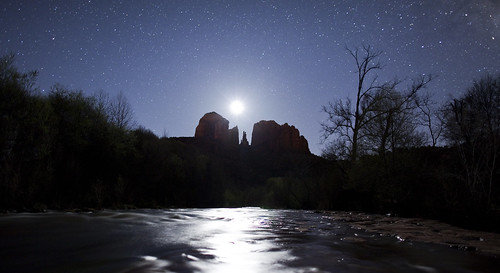 Moon-over-Sedona