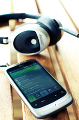 HTC Wildfire + Spotify