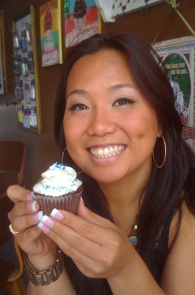 i flippin freakin love cupcakes!