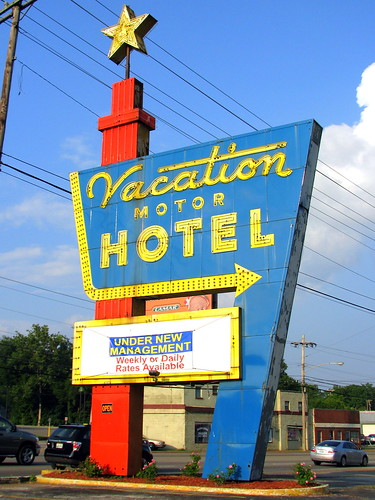 Vacation Motel sign