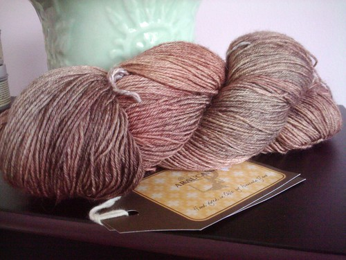 Araucacia yarn from knitting to know ewe