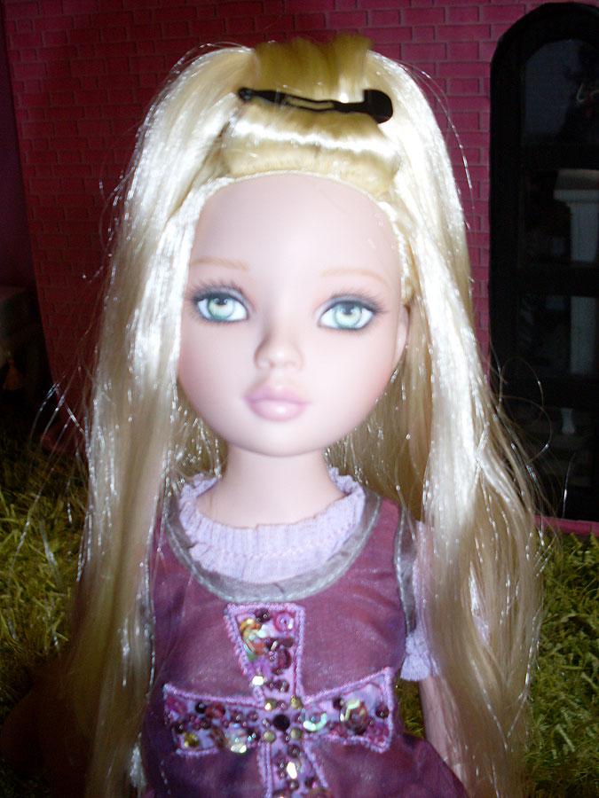Penny - Pénélope LANE - arrive à la maison (Pale Memories) 4873289799_6df06493af_o