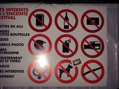 WAF-NUITSECRETES-J1-70 (WAF!) Tags: chien france festival live stickers myspace christine musique autocollant taf secretes waffer massy waf nuits secrtes waff waf