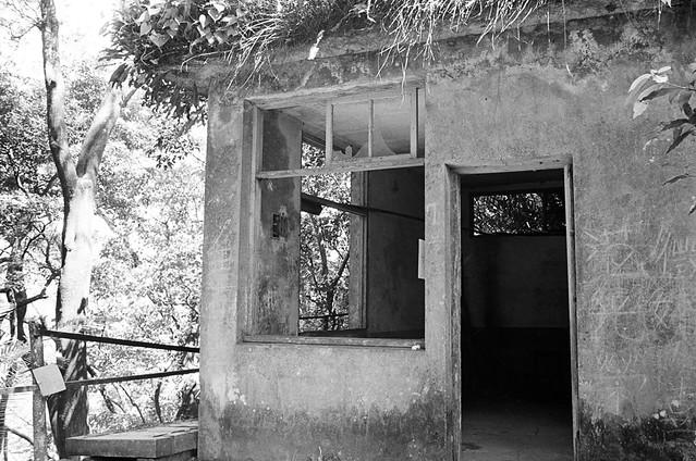 廢棄崗哨站