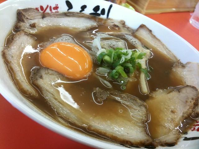 徳島ラーメン、ふく利の肉玉700円!スープ全部飲んだわ!