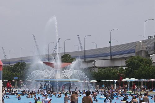 本牧市民プールの大噴水