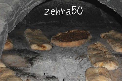kara firinda bazlamaa(icli ekmek)
