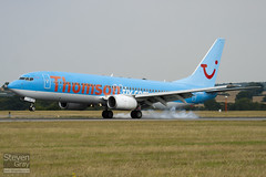 G-CDZH - 28227 - Thomson Airways - Boeing 737-804 - Luton - 100812 - Steven Gray - IMG_1412