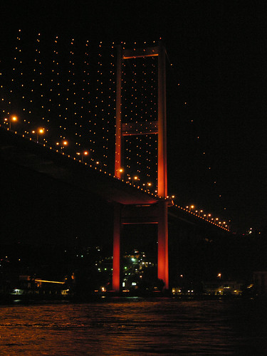 A piros Boszporusz híd