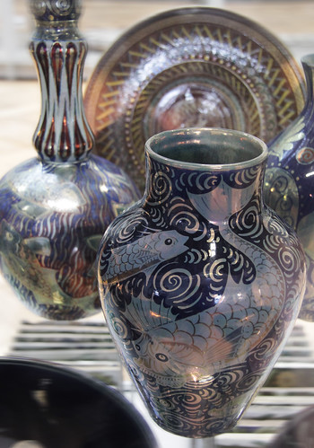 De Morgan ceramics