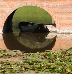 Square peg in a round hole (j.elemans) Tags: bridge summer holland building castle history nature water dutch boot boat sony historie kasteel gelderland a300 middachten cstle saariysqualitypictures mygearandmepremium mygearandmebronze mygearandmesilver mygearandmegold mygearandmeplatinum