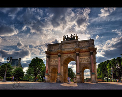 .Victory.Arch. (.krish.Tipirneni.) Tags: paris france monument evening nikon arch victory napoleon triumphalarch dedicated quadriga hdr hpc paristrip louvremuseum arcdetriompheducarrousel amazingclouds 18200vr d80 baronfrancoisjosephbosio militaryvictory