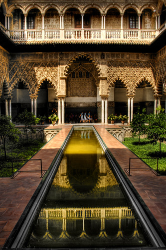 Seville Alcazar. Patio de las doncellas. Alcazar de Sevilla.