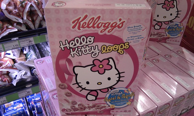 Supermarket Hello Kitty loops Kelloggs