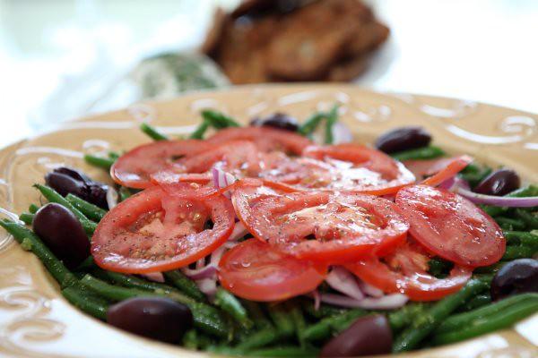 haricot verts and tomato salad