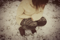 First snow ({Beatrix Mira}) Tags: winter snow blur self garden dress boots first knitted flou jacquard legging