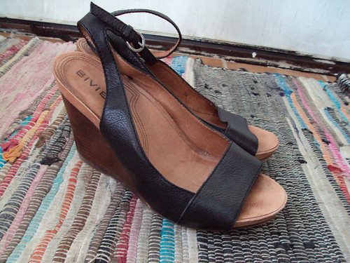 Biviel Wedge Sandals