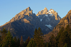 Cathedral Group at Sunrise (bhophotos) Tags: travel usa mountains nature sunrise landscape geotagged nikon day clear wyoming peaks nikkor tetons jacksonhole grandtetonnationalpark cathedralgroup teewinotmountain 80200mmf28dnew d700 grandtetonpeak mountowens projectweather