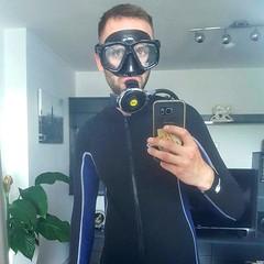 My #diver #suit is complete 👌😉 #diver #diving #snorkel #snorkeling #scuba #padi #neonpren #gay #loveit (Denny_T) Tags: gay snorkel loveit diving snorkeling suit diver scuba neonpren padi
