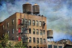 Water towers - NYC (Aránzazu Vel) Tags: newyork watertower textura texture newyorkcity architecture arquitectura usa urban cityscape city ciudad building edificioshierrofundido