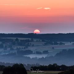 Sunrise in Allegre - Auvergne, France (Henk Verheyen) Tags: allegre fr france frankrijk landscape landschap fog mist orange oranje sun sunrise zonsopkomst allègre auvergnerhônealpes