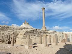 Égypte, le site romain avec la colonne de Pompée de 30m à Alexandrie (Roger-11-Narbonne) Tags: egypte alexandrie romain musée colonne ancien