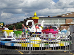 A&P Shows Choco Cup Ride. (dccradio) Tags: carnival summer color colors festival wisconsin fun community colorful ride fair celebration event entertainment cups ap edgar teacups teapot rides midway summerfun wi amusements carnivalride amusementride sbf firemanscarnival firemenscarnival spinride centralwisconsin amusementdevice homecomingcelebration edgarwi apshows apenterpriseshows apcarnival apenterprises firemanshomecoming edgarfiremen sbfvisagroup chococups