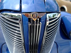 1935 Dodge Business Coupe grille emblem (D70) Tags: canada classic cars port emblem logo bc antique britishcolumbia business badge dodge annual autos grille 11th coupe 1935 portmoody moodys dodgebrothers showshine dodgebusinesscoupe