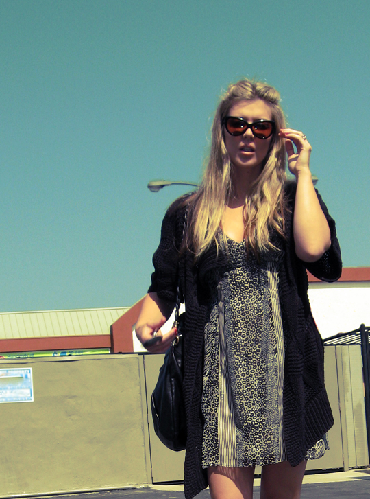 90s look+printed dress+chunky sandals-1, Tom Ford anouk sunglasses, cat eye sunglasses