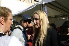 Patriza D'Addario a Piazza Navona (framino) Tags: piazzanavona daddario intercettazioni bavaglio patriziadaddario