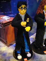 E3 2010 LEGO Harry Potter booth - life-sized LEGO Harry Potter statue (Doug Kline) Tags: statue la losangeles lego expo harrypotter center videogames entertainment electronics convention e3 2010 lifesized