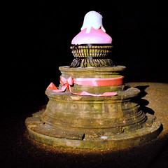 Cupcake fontain (G e e k y P i x) Tags: france square geotagged nikon artist cupcake toulouse fontain fontaine artiste d3000 carréfrançais geekypix
