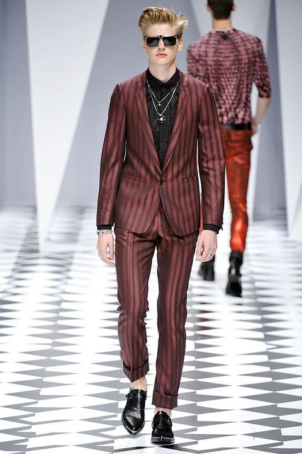 Michael Bostrom3010_SS11_Milan_Versace(VOGUEcom)