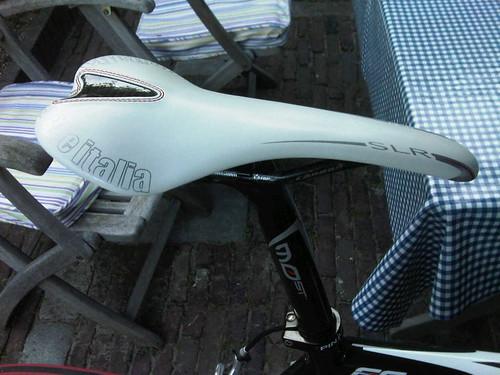 Nieuw zadel! Kit carbonio 125 gr!