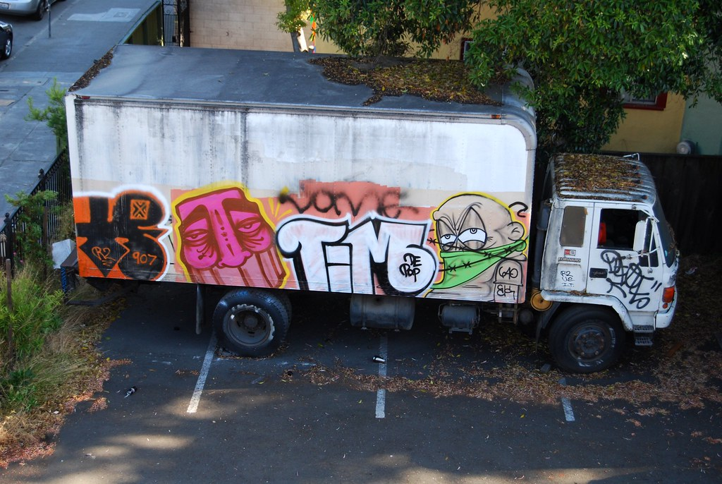 R2ue, Gats, Optimist, Logo, Domer Graffiti Truck Oakland.