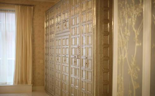 gwyneth loft closet