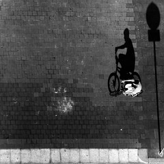 LeTøuЯdeFЯancE ツ (Color-de-la-vida) Tags: shadow bike shadows sombra ombre bici vélo colordelavida letourdefranceツ