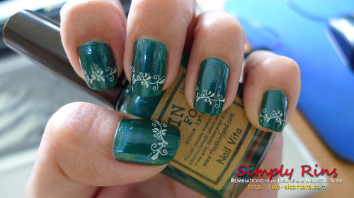 Nail Art - Aqua Green with Konad 01