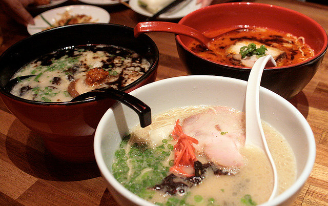 Thanks to the kindness of strangers (Daniel, Ian and Amanda), I was able to take shots of all three ramen varieties