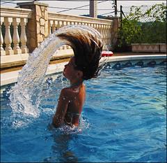 Denise (Ayeln.) Tags: summer agua piscina verano calor estiu