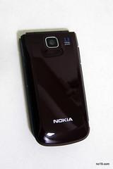 NOKIA 2720 背面 - P8053010