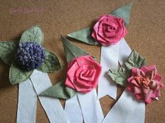 flores de tecido (Carla Cordeiro) Tags: 3d feitomo fuxico patchwork rosas hortncia dobradura premiao roseta fabricflower floresdetecido linhaeagulha agulhaelinha tecidotingido floresdefuxico tingidopordivnia orinuno terquilt10 dimensionalfoundationpiecing