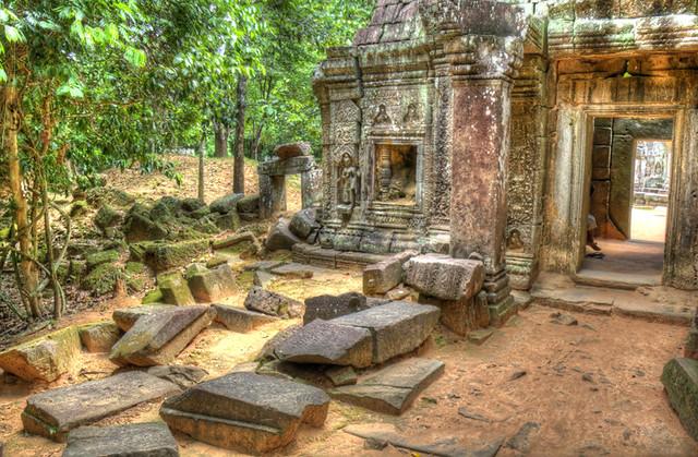 Angkor Wat Rocky House HDR