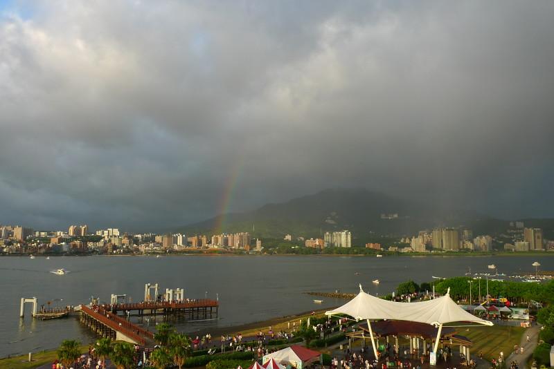 八里河畔 彩虹一道道