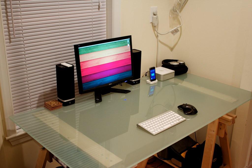 Desk 2010-08-08
