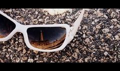reflejos de la vida (Brbara Scarlett Riot) Tags: lighthouse sunglasses faro gafas cabodepalos scarlettriot