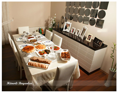 Ülkü'nün Akşam Yemeği Sofrası-1