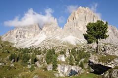 Sassolungo - Dolomiti - Italia (D3-gang-entree) (Arnold van Wijk) Tags: geotagged ita itali campitellodifassa trentinoaltoadige geo:lat=4651036522 geo:lon=1175639450