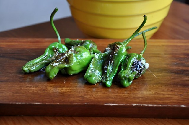 4883808309 8718301f72 z Grilled Padron Peppers   Lost and Found
